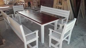 Мебели от дърво за заведения