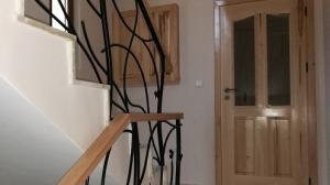 Поръчка на дървени врати