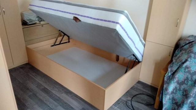 Легло с повдигащ матрак,  материал лПДЧ-бук, модел Стела