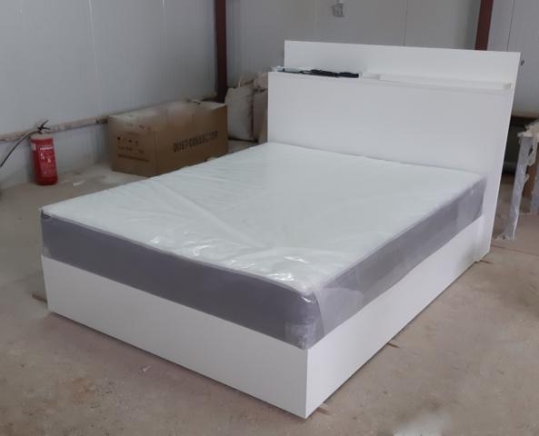 """Бяла спалня , материал лПДЧ, с повдигащ се матрак, модел """"Дида"""""""
