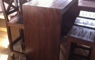 Бар маса със столове за заведения