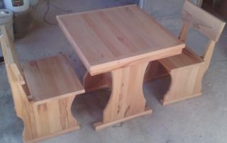 Маса 80х80см. с два стола, материал бук, натурален цвят