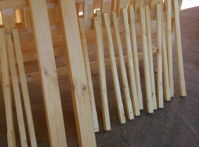 дървени балюстри за парапети