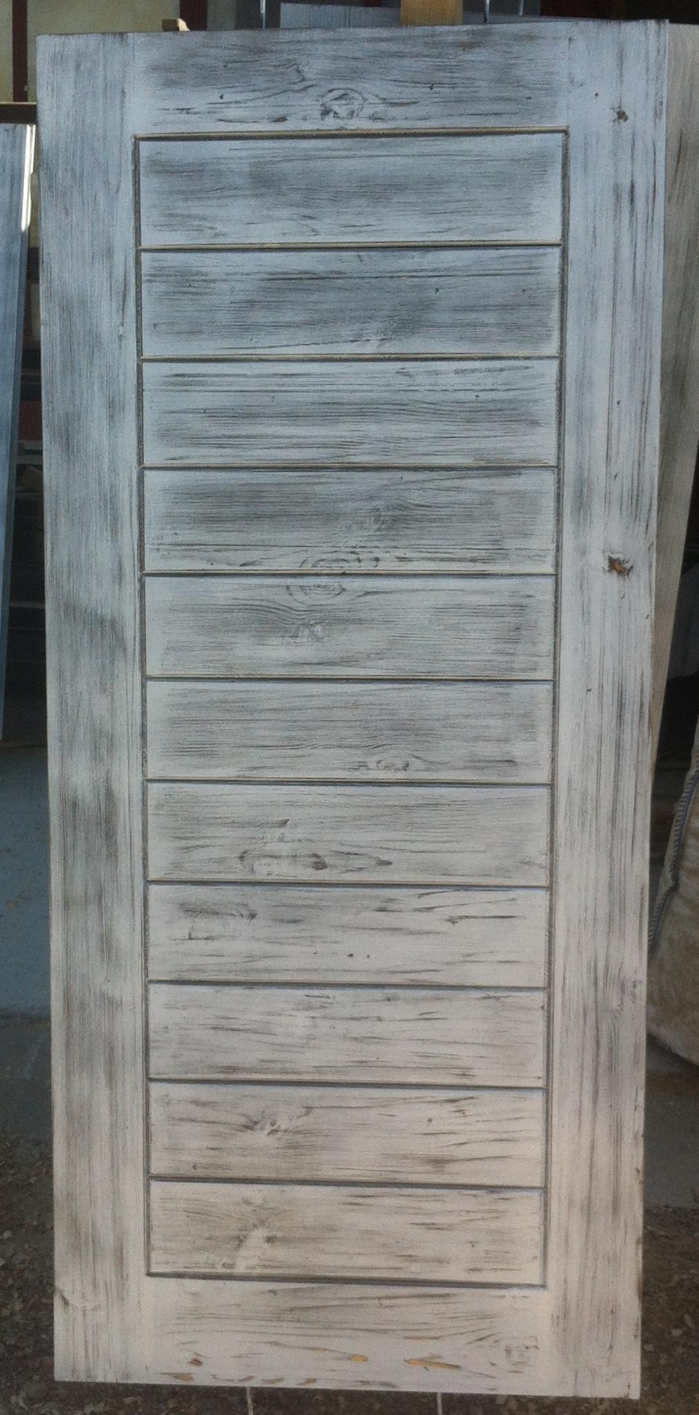 Врата състарено бяло