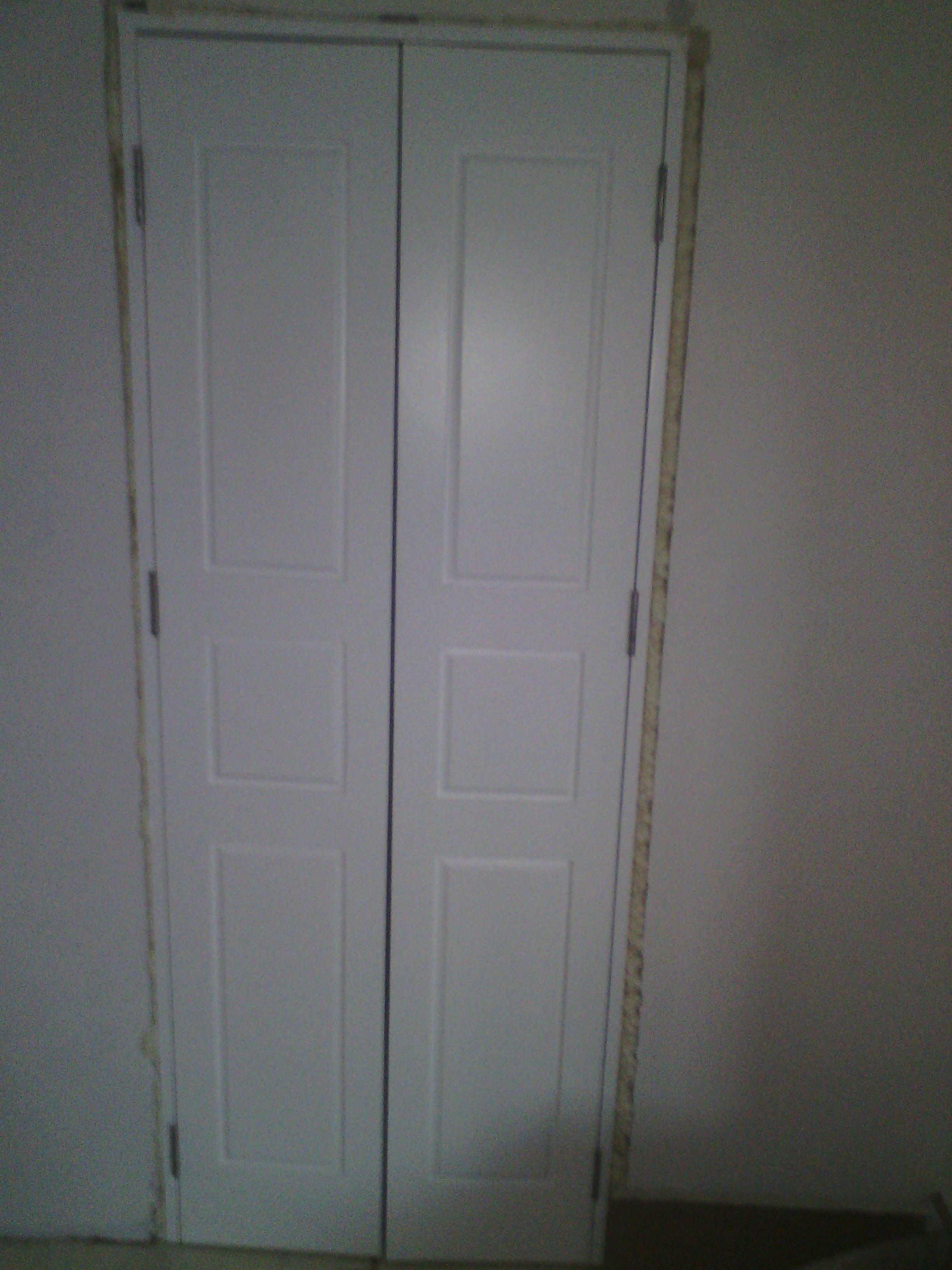 Врата за дрешник