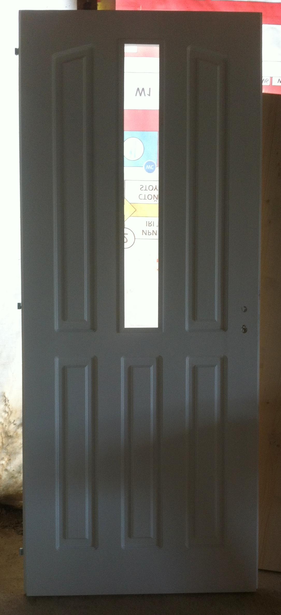 Таблена масивна врата
