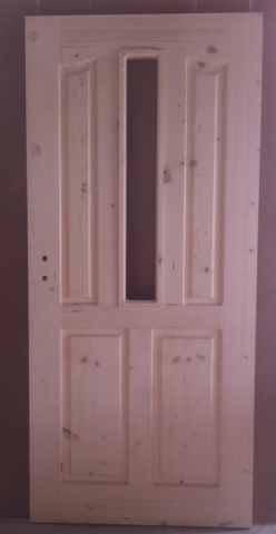 Дървена врата с кобилица и стъкло