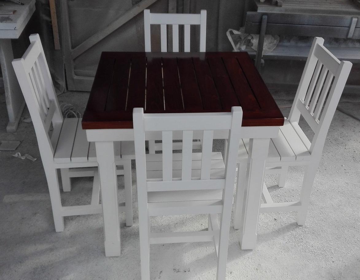 Маси и столове за заведение
