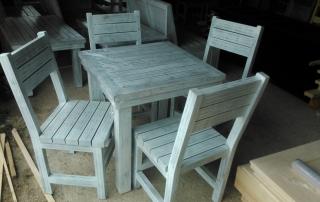 Състарени маса и столове по поръчка