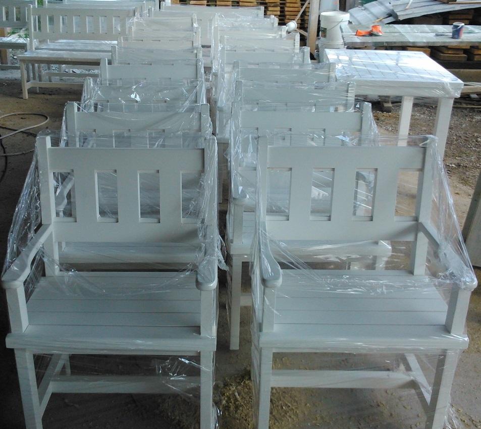 Дървени столове за заведение