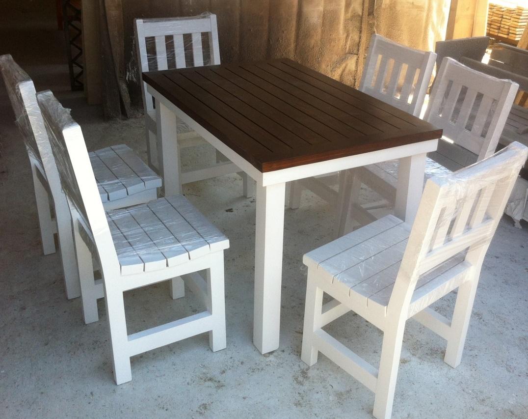 Маси и столове от дърво