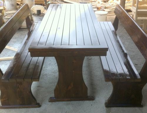 Баварски комплект, маса с две пейки